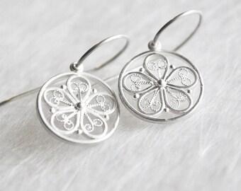 Romantic flower jewelry, earrings made of silver, lightweight earrings with filigree, filigree flowers, Flower Earrings, Bridal jewelry, you