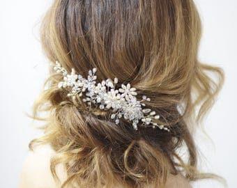 Bridal hair comb. Crystalsal and Pearl bridal hair comb. Pearl comb. Wedding hair comb. Bridal Headpiece. Pearl bridal hair comb.