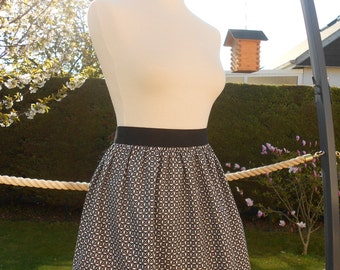 Pleated black skirt and white - size 40