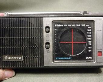Vintage Sonya Portable Radio