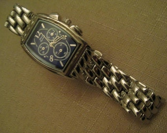 Un Worn Vintage Charles Raymond Womens Quartz Watch Blue Face Silver Tone Metal Linked Watchband Over Lapping Clasp