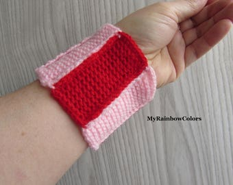 Red Pink Patchwork Bracelet, Double Sided Bracelet, Knit Crochet Wristband, Colorful Wrist, Red Cuff, Striped Bracelet, Pink Red Patchwork