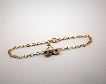 "Bracelet ""Camélia"" in bronze and gold filled"