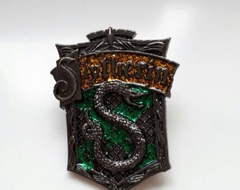 Slytherin glitter brooch pin badge. Hogwarts. Snake. Voldemort