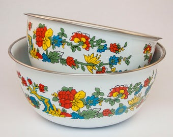 Pair of Enamel Coated Nesting Bowls with Colorful Tree and Floral Pattern, Made in 1975