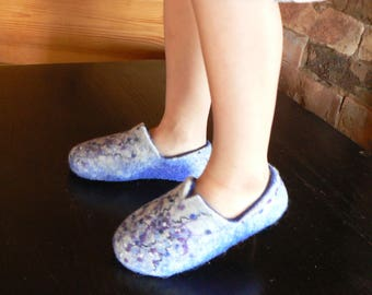 Felted slippers-wool clogs for Children - Wool slippers for Kids - Blue snow slippers-clogs - Handmade slippers for Kids