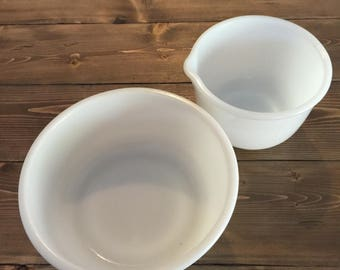 Vintage Sunbeam Milkglass Bowl Set