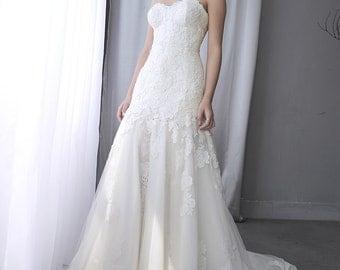 LS38/ Linda/ Lace wedding dress/ trumpet weddingdress