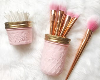 Soft Pink makeup brush holder, makeup organiser, baby pink Mason Jar decor, makeup storage, rose gold desk accessories, pen pot, ball mason