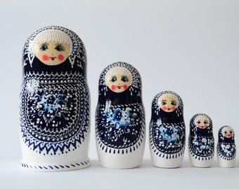 Сlassic Russian Matryoshka Babushka Russian nesting dolls,  handmade, Free Shipping