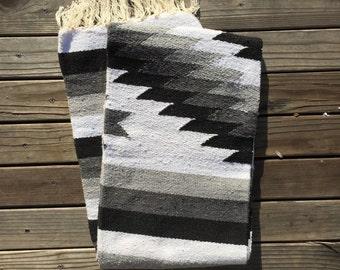 Mexican Blanket | Black & White