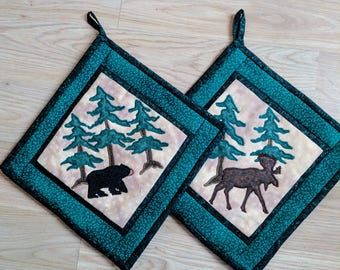 Wildlife pot holder set