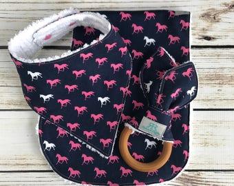 Pink and Navy Horses Baby Gift Set | Bandana Bib | Horses Nursery | Horses Baby Bib | Baby Girl Bib | Baby Boy Bib | Newborn Gift | New Mom