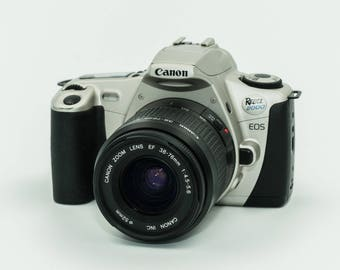 Canon Rebel 2000 with Canon EF 38-76mm Zoom Lens with Macro. MINT!
