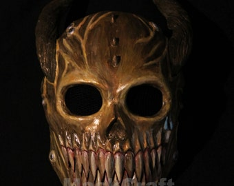 Custom mask with moving jaws. Original art by Vusc