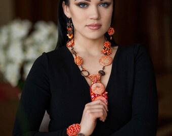 Crochet jewelery - Crochet bracelet - crochet earnings – beads jewellery – luxury jewellery set – orange jewellery set - fashion jewellery