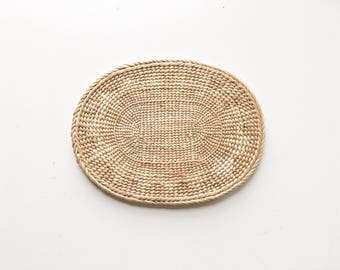 Vintage 70s Woven Oval Small Straw Mat