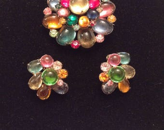 Great Looking Unsigned Brooch and Earring Set