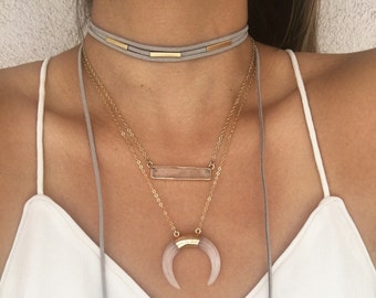 Triple bar wrap choker.