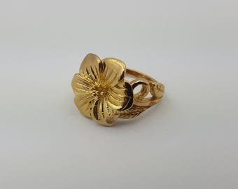 Large Yellow Gold Flower Ring - Hippie - Boho - Female - Beautiful - 9ct - 375