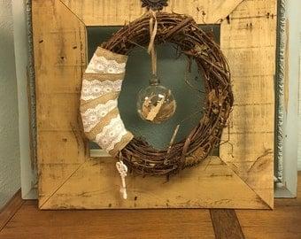 Rustic Decor Frame & Wreath