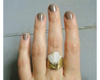 """Brass ring  """"White flower """""""
