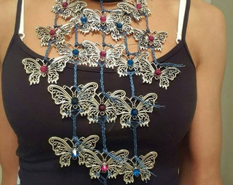 Butterflies necklace and bracelet set