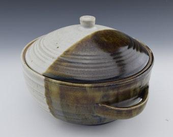 Handmade Ceramic Casserole Dish, Covered Dish, Lidded Pot, Lidded Piece, Gift Idea, Housewarming gift, Anniversary Gift