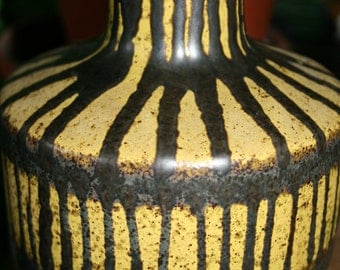 Vintage eclectic Strehla ceramic vase yellow patterned