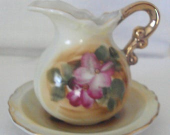 """Vintage 1950's Small 3 3/4"""" Hand Painted Porcelain Pitcher & Bowl Set - Gold Trim - Use as Creamer or For Syrup"""