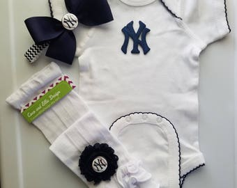 new york yankees baby girl outfit-yankees girl-ny yankees newborn-yankees baby-new york yankees baby girl shower gift/yankees girl take home