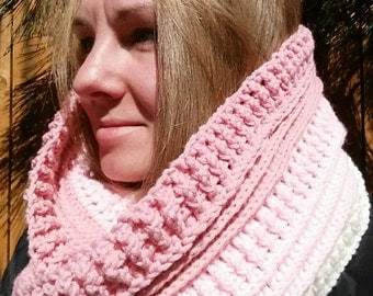 Large textured double wrap cowl