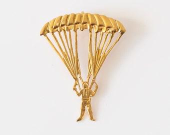 Vintage 14k Gold Pendant Charm with Parachute / Parasailing Design, VJ #688