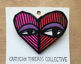 Cardboard Brooch - heart red/pink