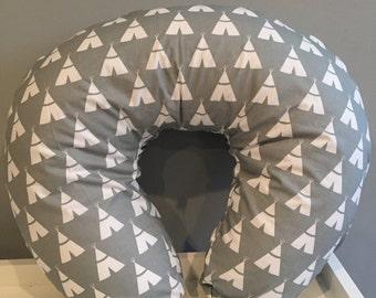 Boppy cover, grey tee pee print