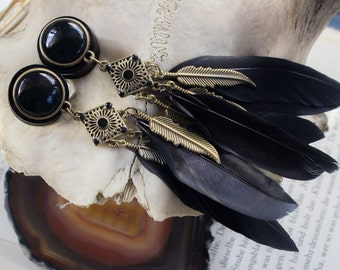 Plugs with black stone and feather pendant (10-22 mm)