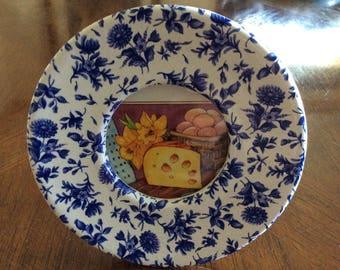 Vintage Carr round picture frame-blue cottage pattern-Burns of Boston-home decoration-photograph-antique