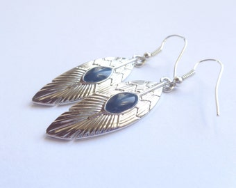 Feathers earrings with blue stones