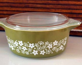 Pyrex 475 Casserole Dish with Lid, Spring Blossom Pattern, #475 Casserole Dish with Lid, Green and White Floral Design, 2-1/2 Qt Baking Dish