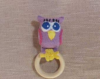 Purple cotton crochet owl rattle toy and teething toy, bird rattle, wood teether, crochet rattle, crochet teether toy, teehter