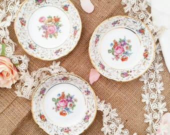 3 cups flowery vintage (several lots available)