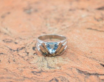 Prong Set Triangular Blue Stone Ring Size 8.25 Sterling Silver 5.5g Vintage Estate