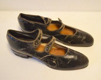 Brown flapper shoes 1920's art deco