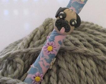 Ergonomic Pug crochet hook