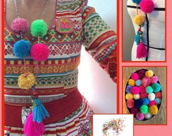 Boho necklace with pompoms - ibiza ketting met pompons 1