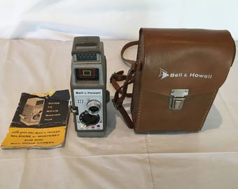 Vintage 1950's BELL & HOWELL 323 8mm Movie Camera with original instructions and leather case