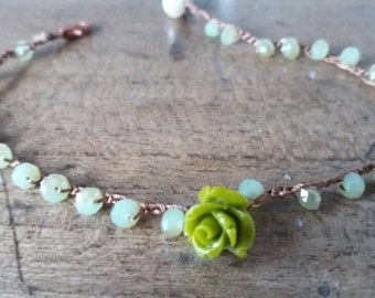 Choker and bracelet with crystals and roses