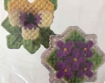 Vintage 1981  Canvas Capers Pansy Violet Flower Magnet Kit Leisure Arts 207