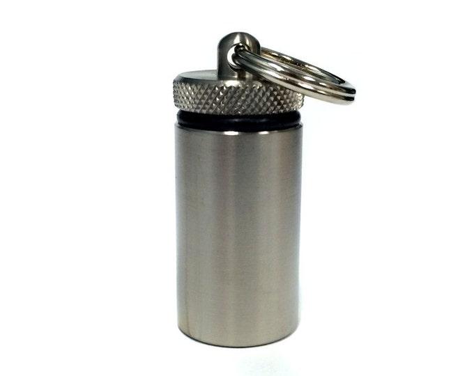 Nano Cache Short - Titanium