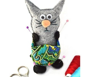 pincushion cat hand embroidered wool felt embroidery sewing needle bar cat